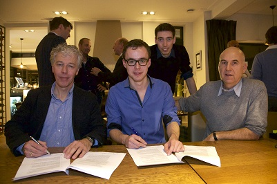 151207 Ondertekening The Calculator Company klein
